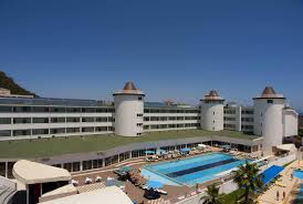 Royal Towers Resort Kiris